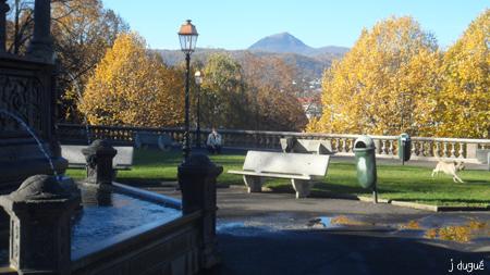 automne place de la poterne clermont ferrand