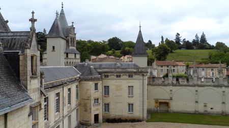 chateau de dissay cour interieur