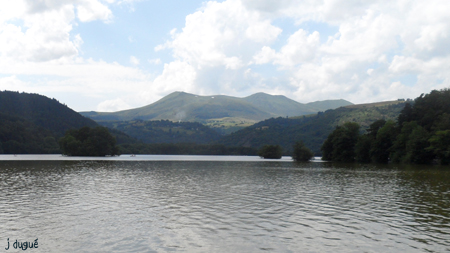 lac chambon auvergne