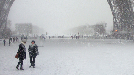 neige tour eiffel