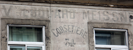 peinture mur corseterie