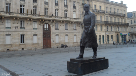 jacques chaban delmas statue bordeaux