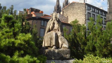 statue bergère clermont
