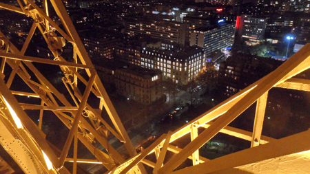 paris escaliers tour eiffel