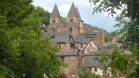village conques aveyron